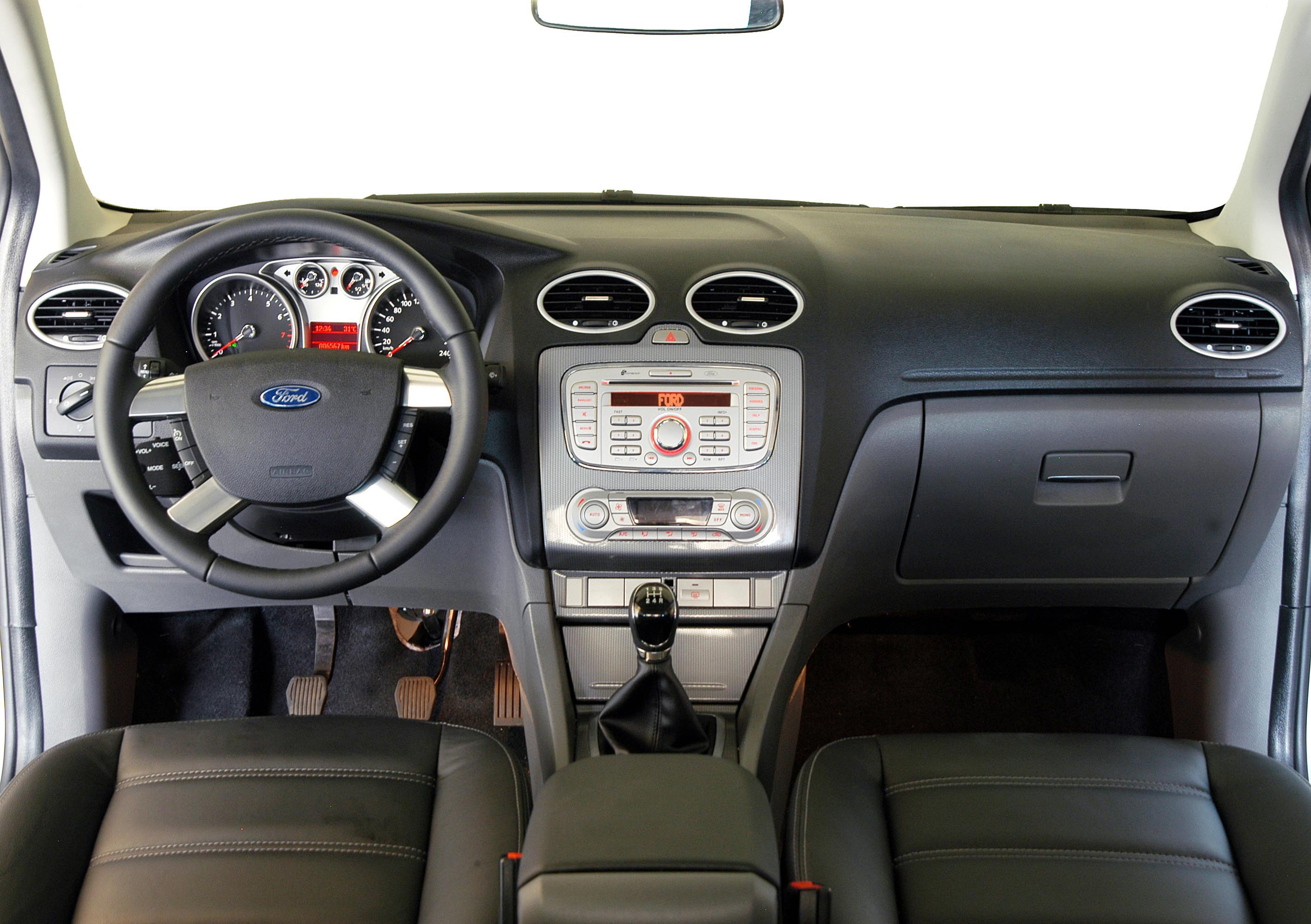 ford focus 2.0 ghia review